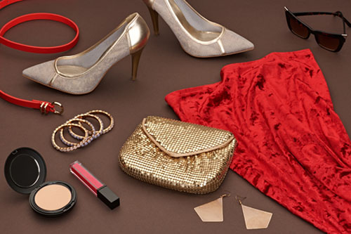 c11605c6884e98 Jakie dodatki do czerwonej sukienki?